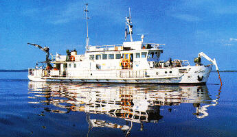 Multi-disciplinary lake research vessel equipped